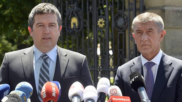 Vicepremiér Jan Hamáček (ČSSD) a předseda vlády Andrej Babiš (ANO)