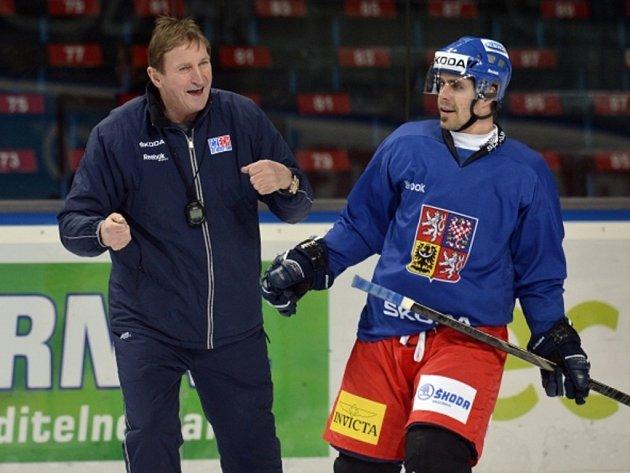 Kouč Alois Hadamczik (vlevo) a Tomáš Rolinek na tréninku české reprezentace.