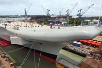 Indická letadlová loď o výtlaku 37.500 tun má délku 260 metrů a šířku 60 metrů.