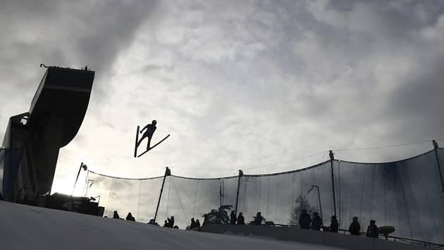 Český skokan na lyžích Roman Koudelka v závodu Turné čtyř můstků v Innsbrucku