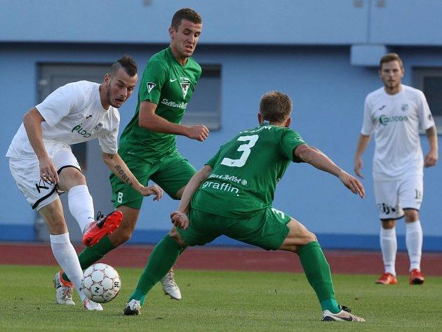 Fotbalisté Vlašimi (v zeleném) proti Ústí nad Labem.