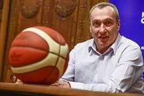 Izraelský trenér českých basketbalistů Ronen Ginzburg.