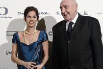 Cenu za nejlepší ženský herecký výkon v hlavní roli převzala Klaudia Dudová za film Cesta ven, cenu jí předal lékař Radkin Honzák.
