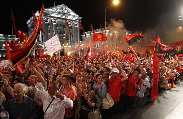 Makedonci protestují proti názvu své země.