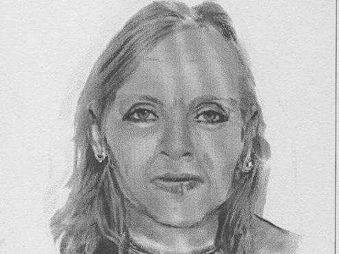 Policisté zpřesnili popis ženy (viz identikit), jejíž ostatky se našly na přelomu roku 2011 a 2012 na několika místech v Praze. Stále pátrají po její totožnosti.