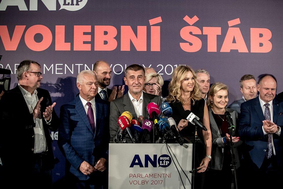 Hnutí ANO slaví vítězství ve volbách.