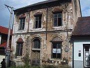 hartmanická synagoga před rekonstrukcí (2002)