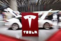 Americký výrobce elektrických vozů Tesla Motors získal internetovou doménu tesla.com.