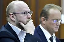 Bývalý výkonný ředitel ŘSD Michal Hala u soudu.