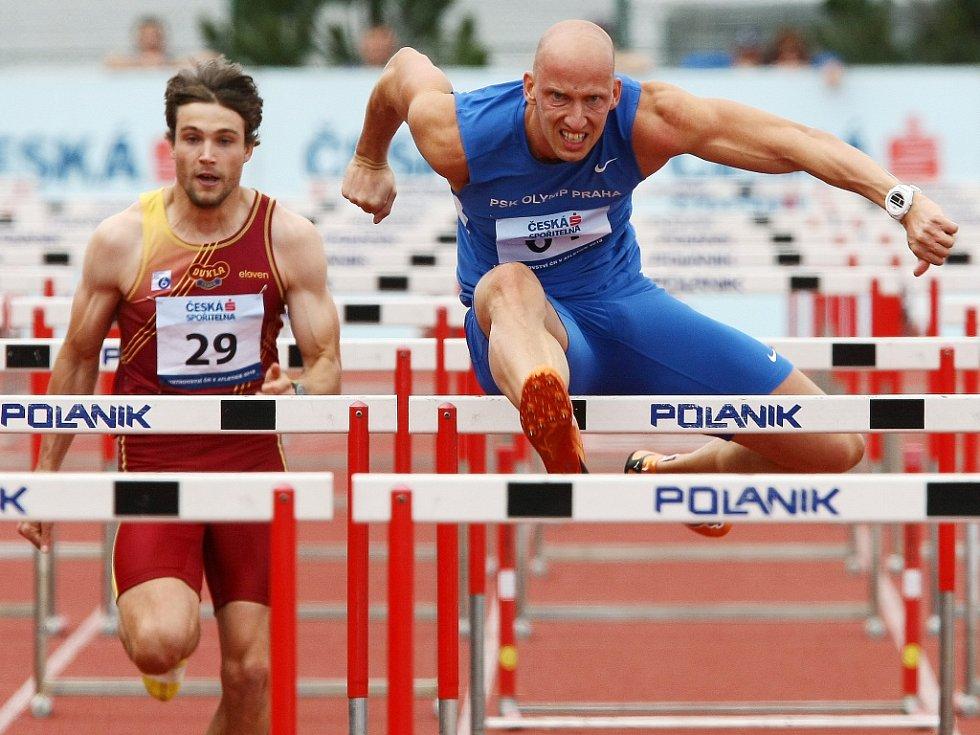 Překážkář Petr Svoboda (vpravo) na mistrovství ČR.