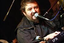 Jan Spálený má v dubnu s ASPM šňůru koncertů.