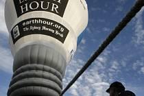 Hodina Země: Balón nad Sydney vybídne obyvatele celé planety, aby 29. března vypnuli na hodinu světlo a bojovali tak proti změnám klimatu.