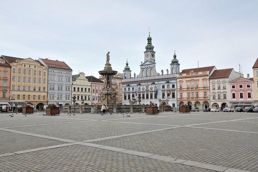 Centrum Českých Budějovic je v době koronaviru vylidněnější
