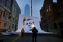 Spojené státy si dnes připomněly 50. výročí od zavraždění svého tehdejšího prezidenta Johna F. Kennedyho.
