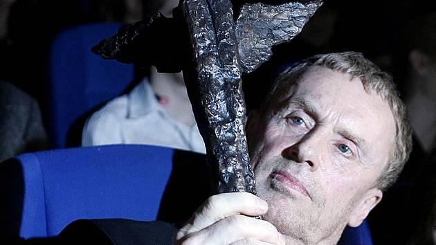 Daniel Olbrychski. Slavný polský herec převzal cenu Kristián za přínos filmu.