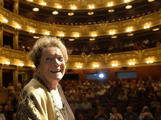 Ministr kultury Daniel Herman uvedl 1. září v Praze herečku Vlastu Chramostovou (na snímku) do síně slávy Národního divadla.