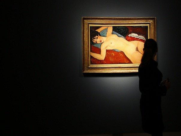 Obraz italského malíře a sochaře Amedea Modiglianiho Ležící akt se v noci na dnešek v newyorské aukční síni Christie's vydražil za 170,4 milionu dolarů (asi 4,3 miliardy Kč).