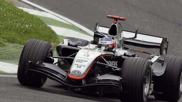 Kimi Räikkönen na okruhu v Imole.