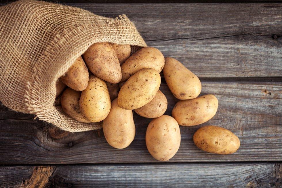 České prodejny budou muset prodávat české brambory