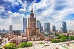 Nejviditelnějším symbolem komunistické éry ve Varšavě je Palác kultury a vědy postavený po 2. světové válce vy stylu stalinské gotiky. Jedná se o kopii mrakodrapů, které byly ve 30. a 40. letech 20. století postavené v Moskvě.