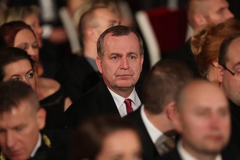 Předávání státních vyznamenání 28. října 2019 na Pražském hradě. Rektor UK Tomáš Zima