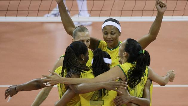 Dokázaly to, narozdíl od fotbalistů. Volejbalistky Brazílie vyhrály poprvé v historii olympijské hry.