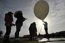 Amatérskou sondu Normandy SR2 v neděli 4. března ráno vypustili její konstruktéři v geometrickém středu republiky u obce Číhošť na Havlíčkobrodsku. Po poledni vrátila na zem.