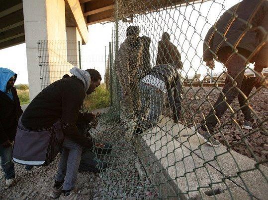 Francouzské Calais čelí novému náporu nelegálních přistěhovalců. Ilustrační foto