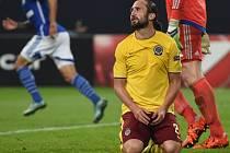 Petr Jiráček ze Sparty po neproměněné šanci proti Schalke.