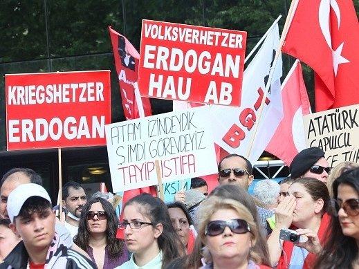 Protesty v Turecku pokračují