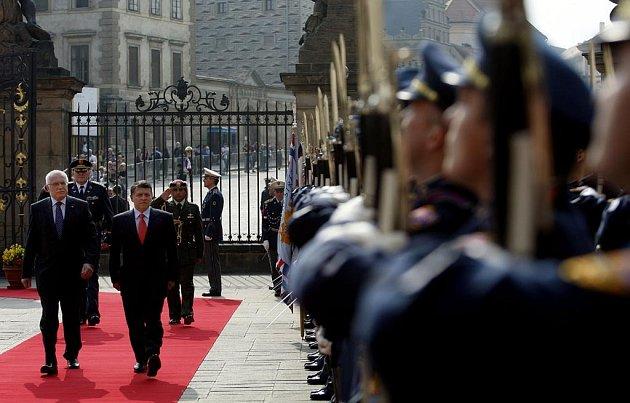 Prezident Václav Klaus přivítal na Pražském hradě krále Jordánského hášimovského království Jeho Veličenstvo Abdullah II.