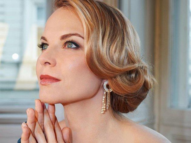 Operní hvězda Elína Garanča vyprodala Smetanovu síň.