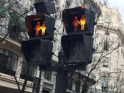 Panenky lásky na světelných semaforech
