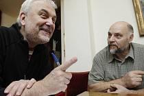 Dva protagonisté tehdejších událostí. Herec Vladimír Čech a fotograf Evžen Báchor.