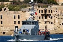 Migranty z lodi Aquarius přijala Malta