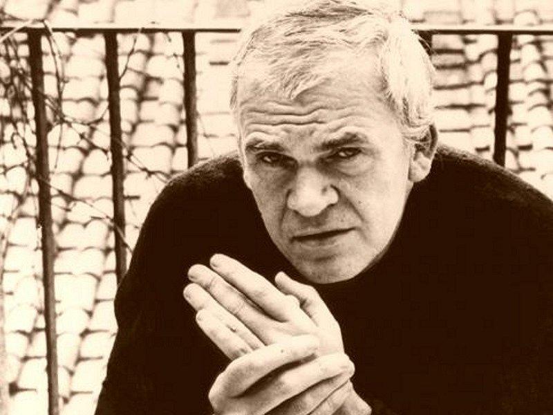 Spisovatel Milan Kundera se rozhodl, že se nebude soudit s týdeníkem Respekt. Ten loni na podzim zveřejnil, že Kundera podle záznamů SNB v padesátých letech udal letce Miroslava Dvořáčka.