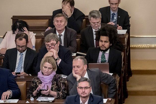 Zasedání Sněmovny. Dominik Feri, Miroslav Grebeníček, Jan Farský