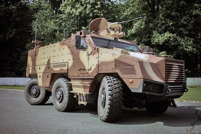 Kolový obrněný transportér Titus na podvozku Tatra 6x6.