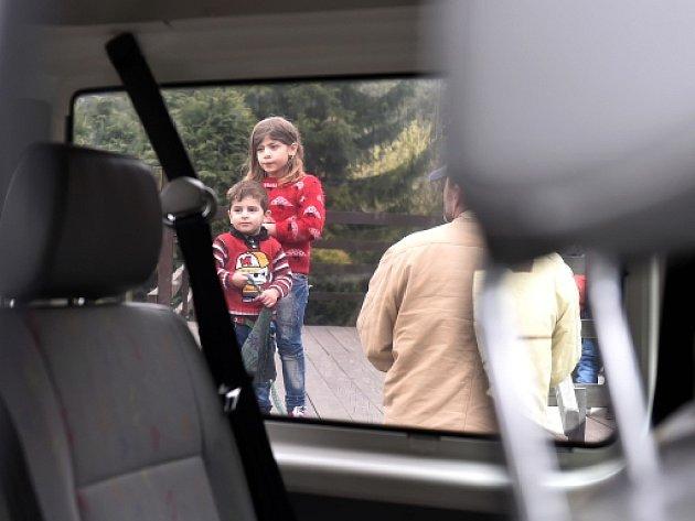 Český autobus s 25 křesťanskými uprchlíky z Iráku původně ubytovanými na Jihlavsku zadržela policie v Německu.