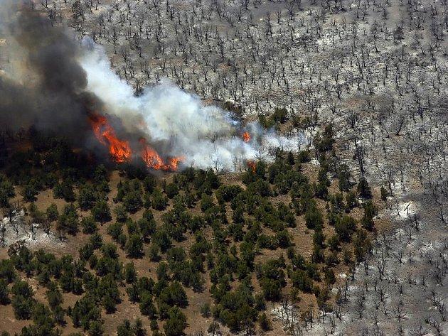 Zřejmě nejhorší požár v dějinách státu Utah spaluje vše, co mu přijde do cesty.