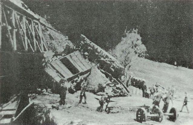 Partyzány zničený most u Helenína u Jihlavy i s vykolejeným vlakem