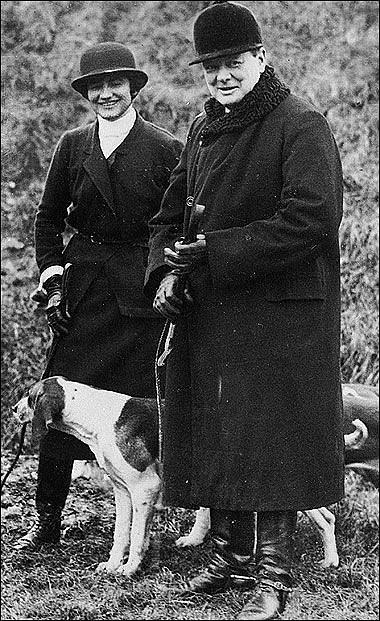 Módní návrhářka Coco Chanel a Winston Churchill