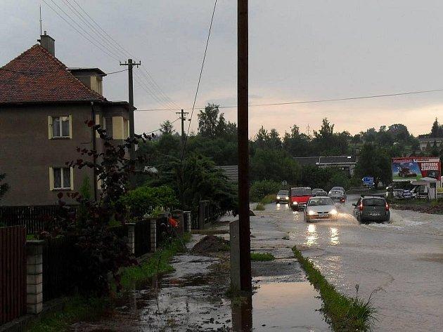 Podvečerní bouře zuřila v Markvarticích.