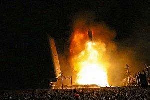 Americký útok v Sýrii. Odpálení raket.