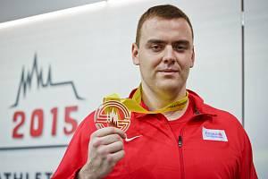 Koulař Ladislav Prášil na halovém mistrovství Evropy získal bronz.
