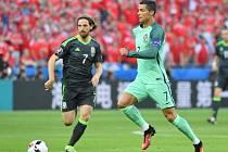 Joe Allen a Cristiano Ronaldo