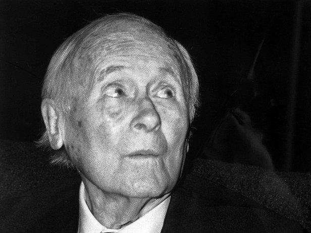 Juan Miró (1893- 1983) , španělský malíř, grafik a jevištní výtvarník.