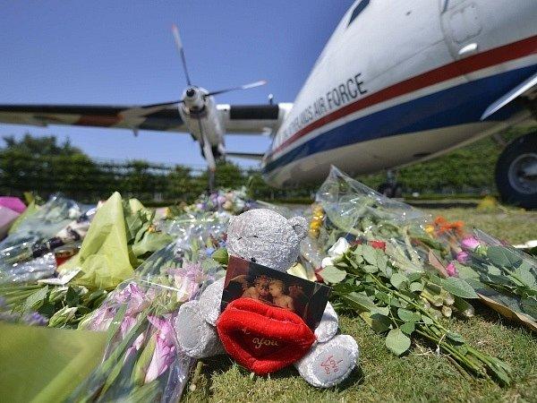 Převoz obětí do Nizozemska.