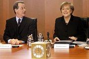 Angela Merkelová v roce 2005, kdy se poprvé stala kancléřkou. V té době jí bylo 51 let.