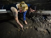 Archeologové v ruinách Velkého chrámu (Templo Mayor).